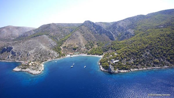 The bay at Mikro Kamini, en route to Molos.