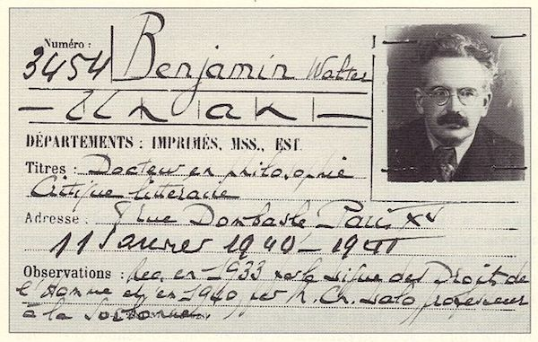 Information: Walter Benjamin's membership card in the Bibliothèque Nationale de France.