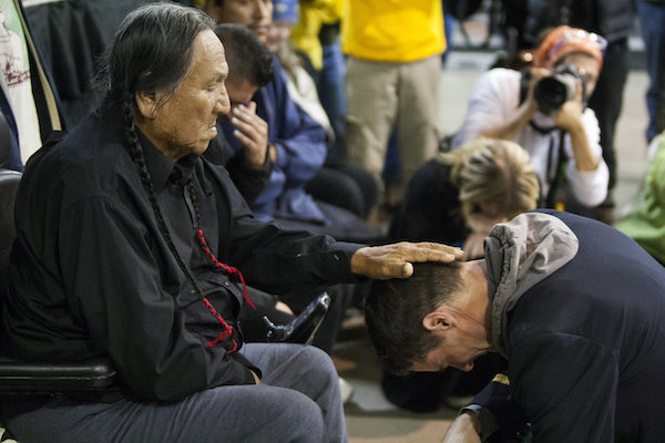 Lakota elder Leonard Crow Dog and Wesley Clark, Jr. during a forgiveness ceremony for veterans. (Photo: Josh Morgan/The Huffington Post)